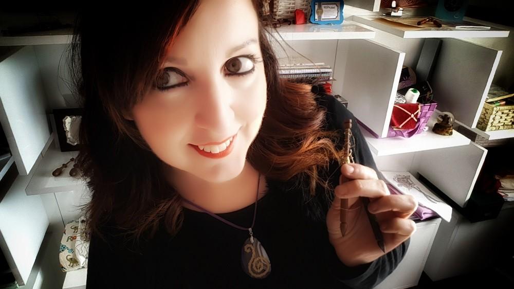 Raquel con joyas de encaje de bolillos